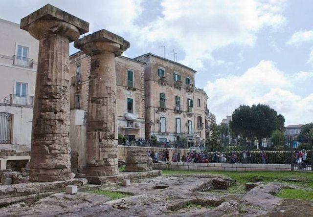 colonne-doriche-taranto-centro-storico-696x483